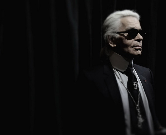 Karl-Lagerfeld-and-CHANEL-for-Printemps-xmas-windows-9-November-2011-Paris--photo-Costas-Voyatzis-for-yatzer-13.jpg