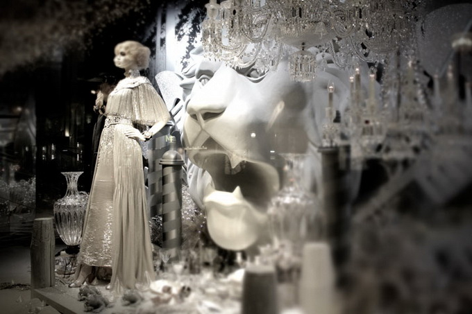 Karl-Lagerfeld-and-CHANEL-for-Printemps-xmas-windows-9-November-2011-Paris--photo-Costas-Voyatzis-for-yatzer-15.jpg