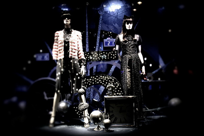 Karl-Lagerfeld-and-CHANEL-for-Printemps-xmas-windows-9-November-2011-Paris--photo-Costas-Voyatzis-for-yatzer-16.jpg