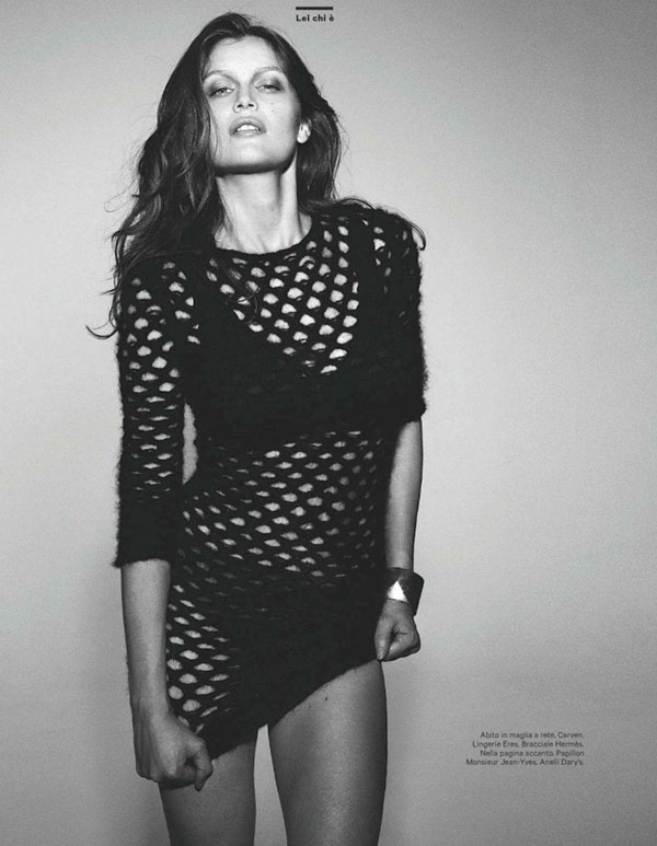 Laetitia-Casta-for-Amica-January-2012-04.jpg