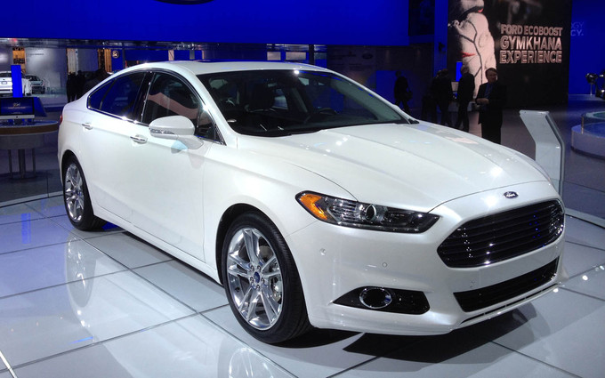 2012-Detroit-Auto-Show-Studs-and-Duds-Ford-Fusion.jpg