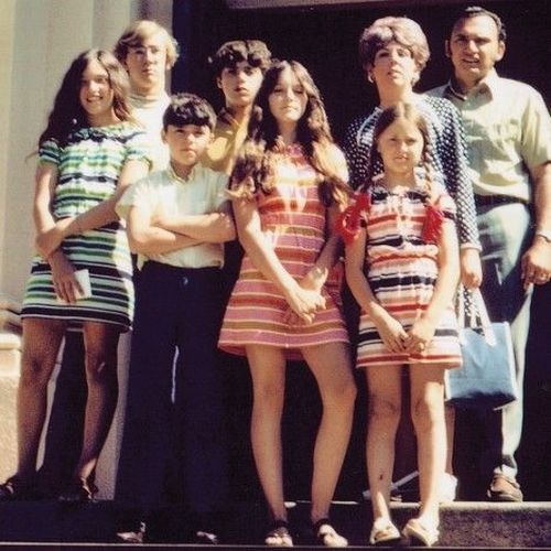 Madonna and her family, 1970.jpg