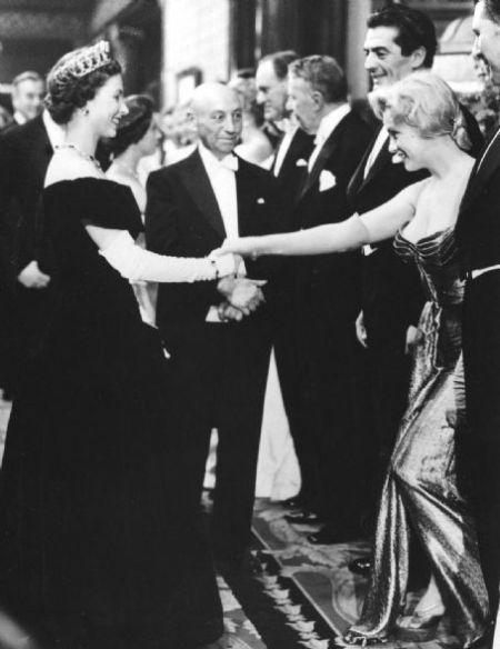Marilyn Monroe meets Queen Elizabeth II, London, 1956.jpg