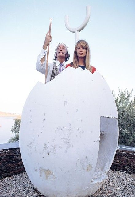 Salvador Dali and Francoise Hardy.jpg