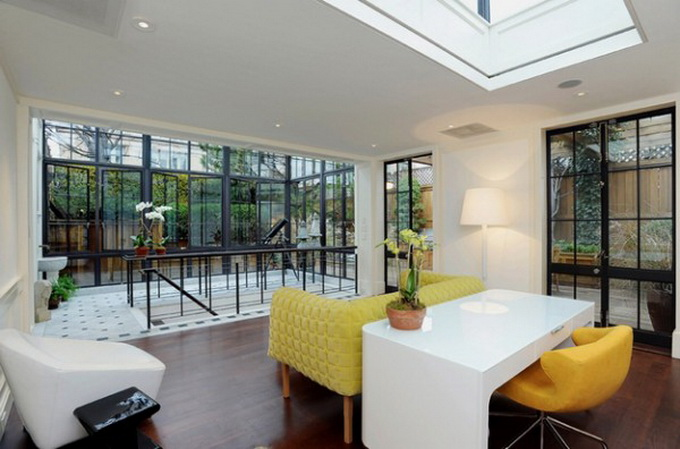 trendhome-thierry-mugler-ny-penthouse-1-600x396_.jpg