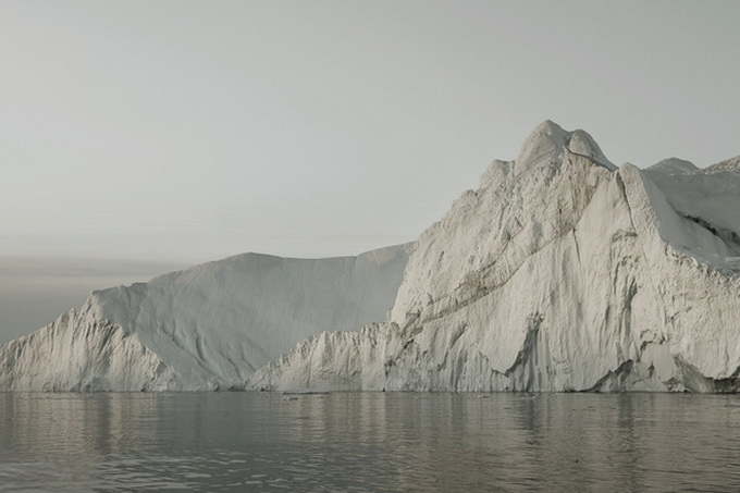 melt-portrait-of-an-iceberg-06_.jpg