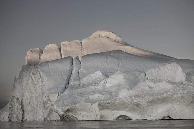 melt-portrait-of-an-iceberg-15_.jpg