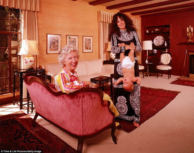 1970s-rock-stars-with-their-parents-3.jpg