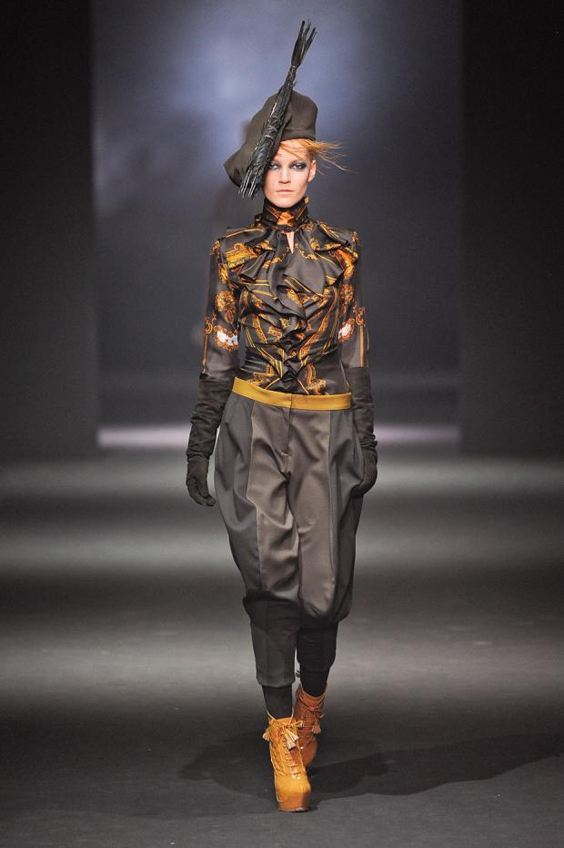 john-galliano-autumn-fall-winter-2012-pfw12.jpg
