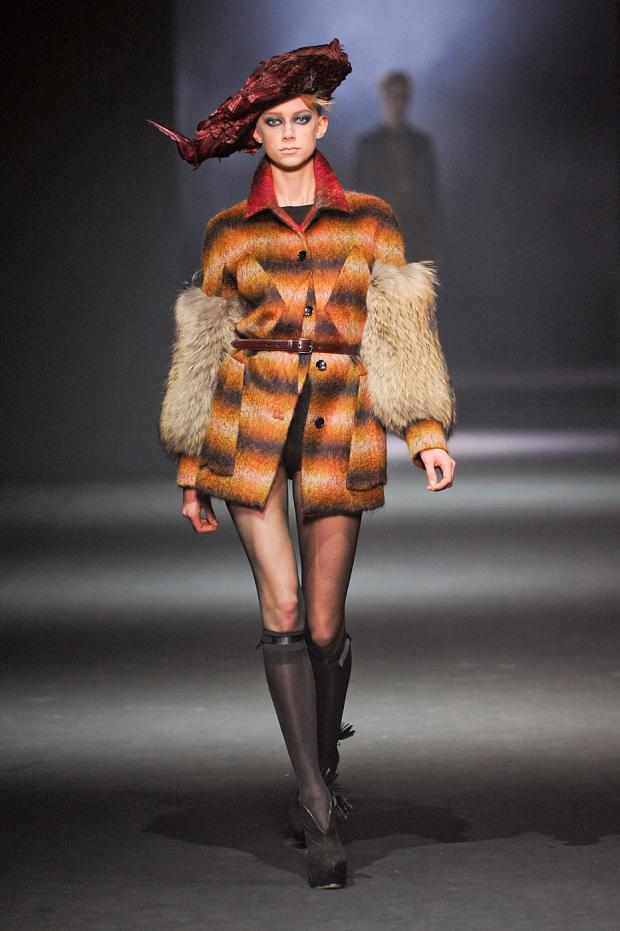 john-galliano-autumn-fall-winter-2012-pfw20.jpg