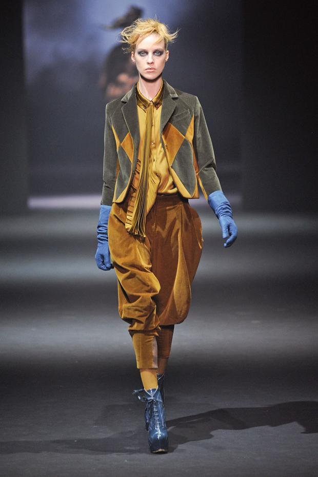 john-galliano-autumn-fall-winter-2012-pfw22.jpg