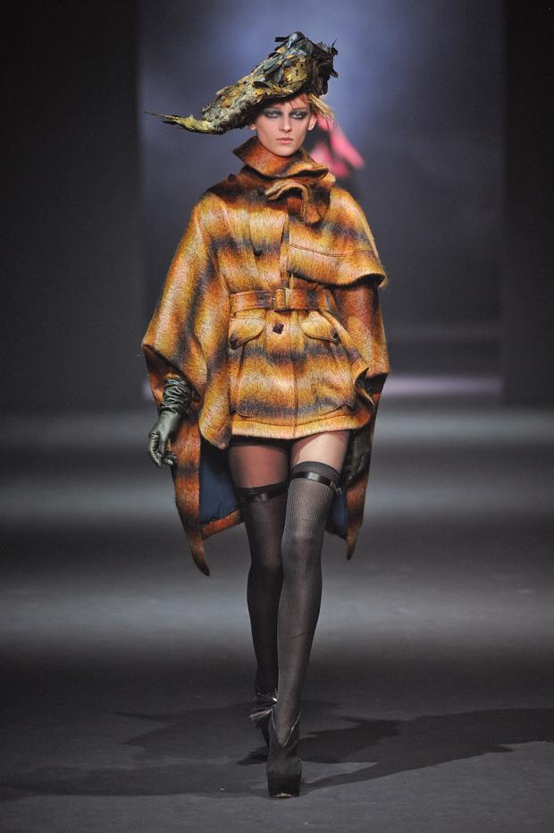 john-galliano-autumn-fall-winter-2012-pfw24.jpg