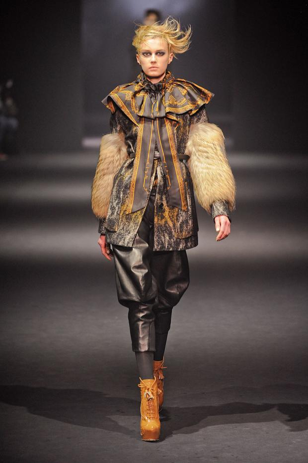 john-galliano-autumn-fall-winter-2012-pfw3.jpg