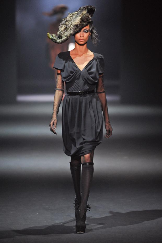 john-galliano-autumn-fall-winter-2012-pfw30.jpg