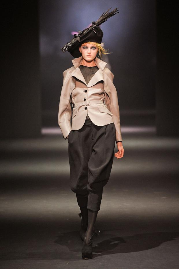 john-galliano-autumn-fall-winter-2012-pfw46.jpg