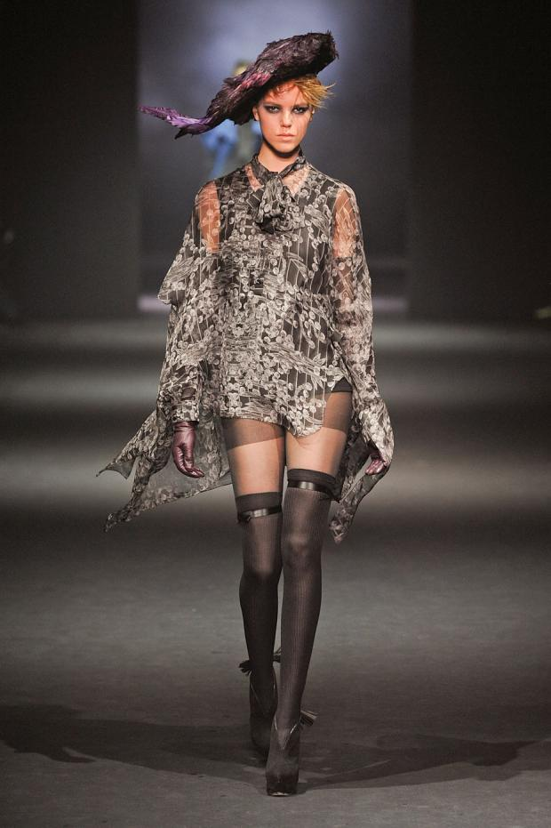john-galliano-autumn-fall-winter-2012-pfw48.jpg