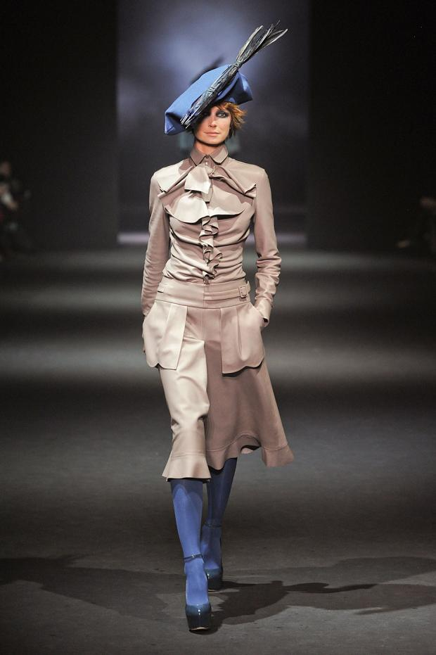 john-galliano-autumn-fall-winter-2012-pfw52.jpg