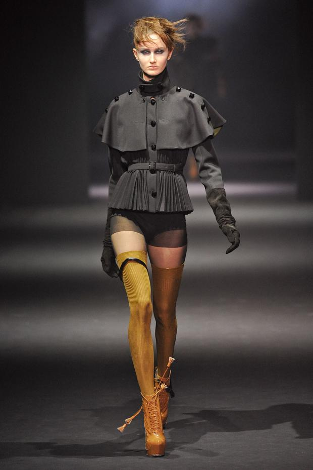 john-galliano-autumn-fall-winter-2012-pfw6.jpg
