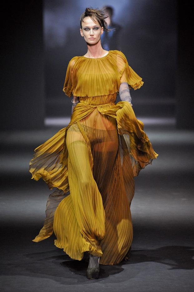 john-galliano-autumn-fall-winter-2012-pfw62.jpg