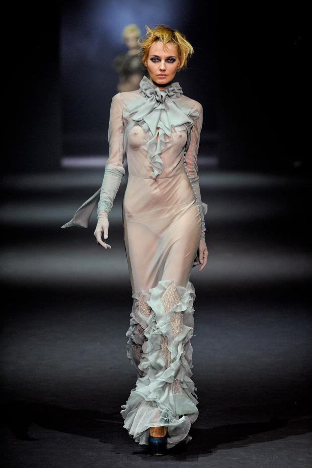 john-galliano-autumn-fall-winter-2012-pfw68.jpg