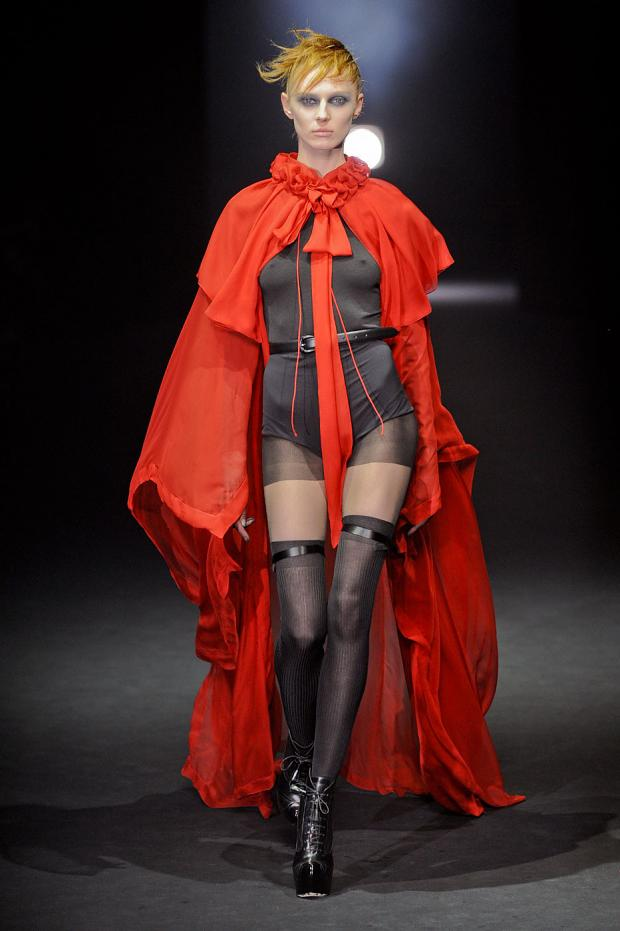 john-galliano-autumn-fall-winter-2012-pfw76.jpg