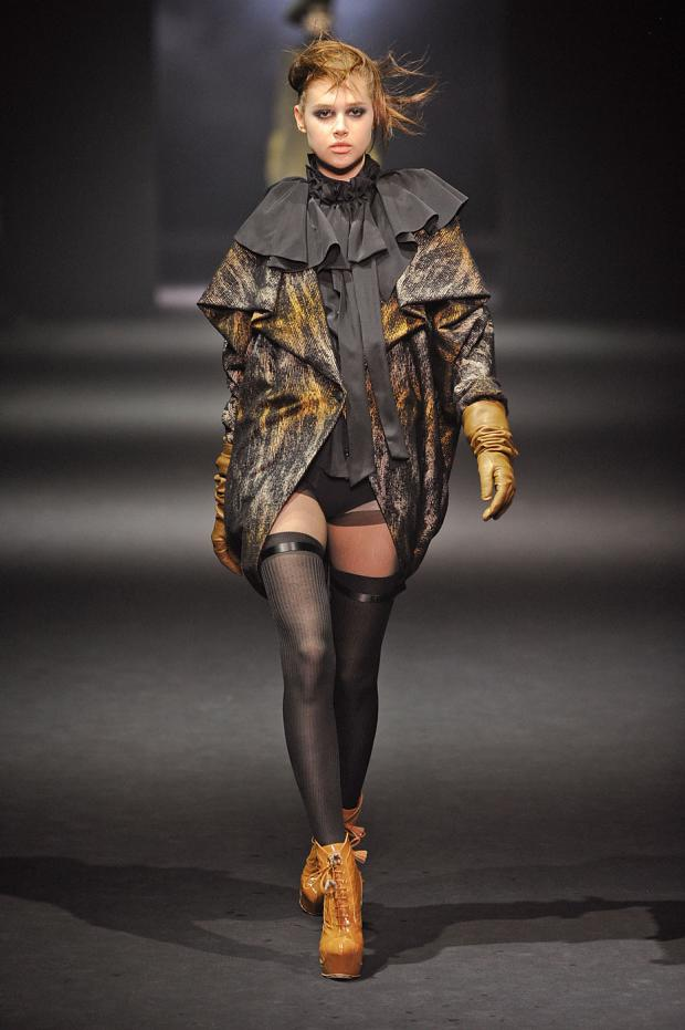 john-galliano-autumn-fall-winter-2012-pfw8.jpg