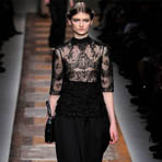 Paris Fashion Week: Valentino осень 2012