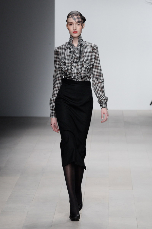 Corrie-Nielsen-Autumn-Winter-2012_13-Womenswear-Collection-15.jpg