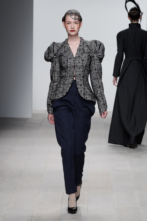 Corrie-Nielsen-Autumn-Winter-2012_13-Womenswear-Collection-21.jpg