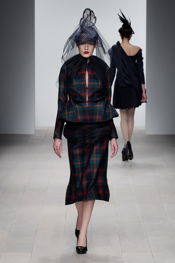 Corrie-Nielsen-Autumn-Winter-2012_13-Womenswear-Collection-25.jpg
