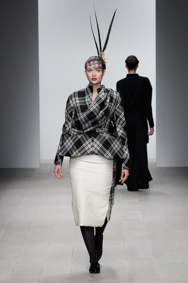 Corrie-Nielsen-Autumn-Winter-2012_13-Womenswear-Collection-33.jpg