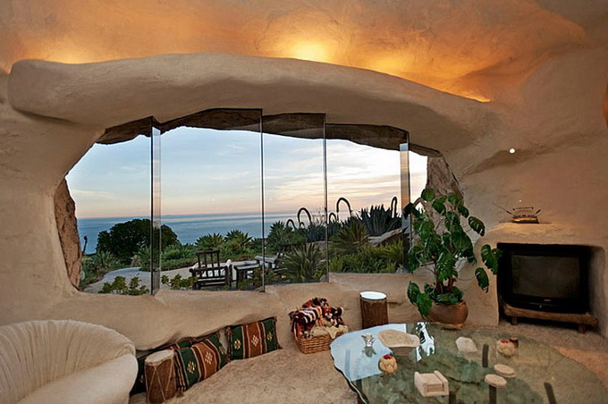 flintstones-house15_.jpg