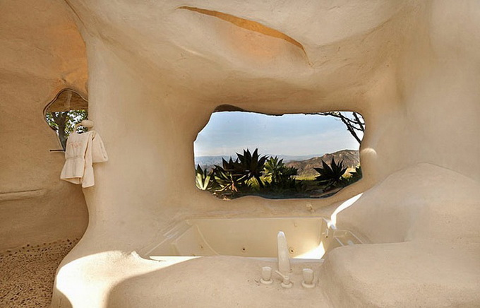 flintstones-house4_.jpg