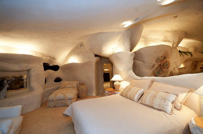 flintstones-house6_.jpg