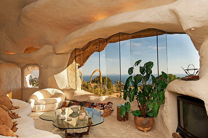 flintstones-house8_.jpg