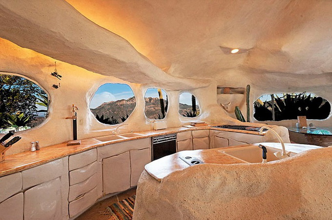 flintstones-house9_.jpg