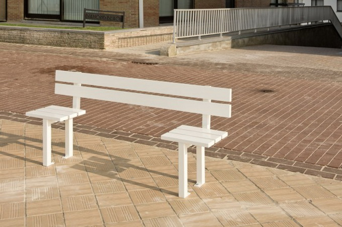 Modified-Benches-640x433_.jpg