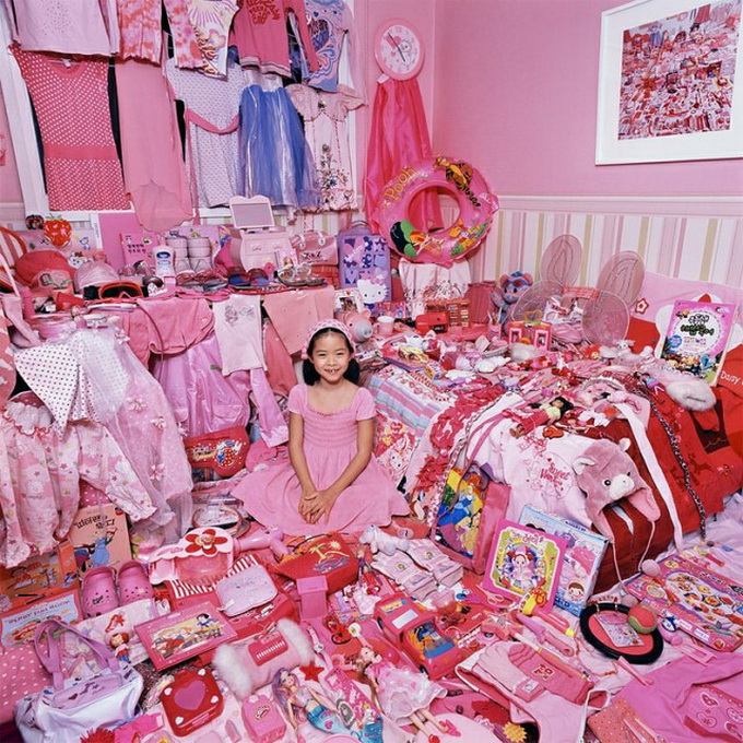 why girls like pink color All about the color pink like the color red it now bothers me to see pink in pre-1860s movies or read modern fiction that has girls wearing pink prior to.