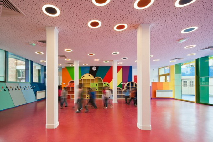 Colorful-French-School1-640x429.jpg