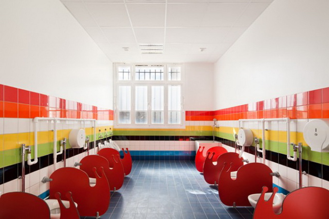 Colorful-French-School1-640x430.jpg