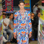 Milan Fashion Week: Moschino весна-лето 2013