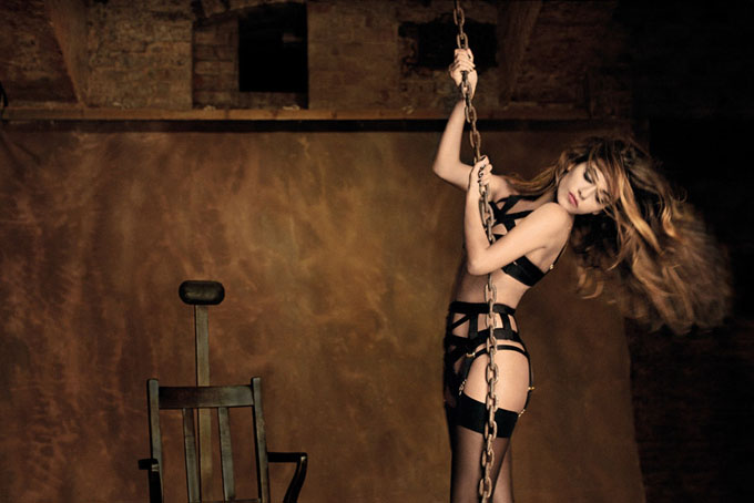 monicacruzagentprovocateurautumnwinter2012campaign5.jpg