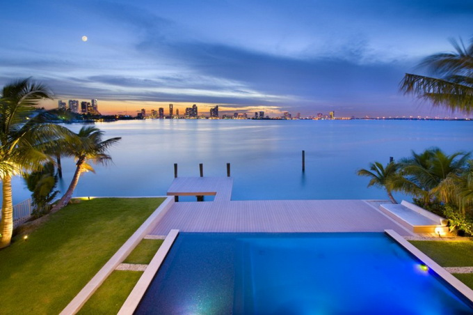 the-miami-beach-residence-by-luis-bosch-20.jpg