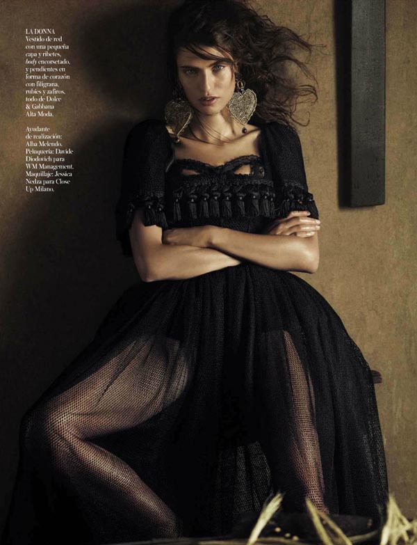 bianca-balti-vogue-spain-october-2012-10.jpg