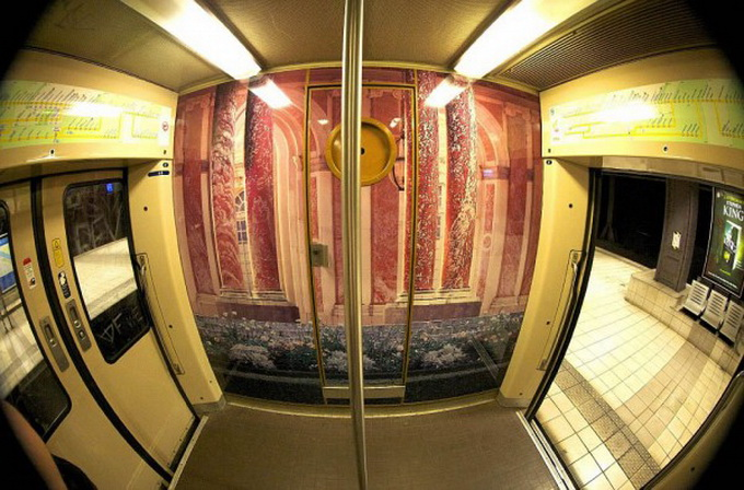 parisian-rer-train-transformed-like-versailles-1-600x434.jpg