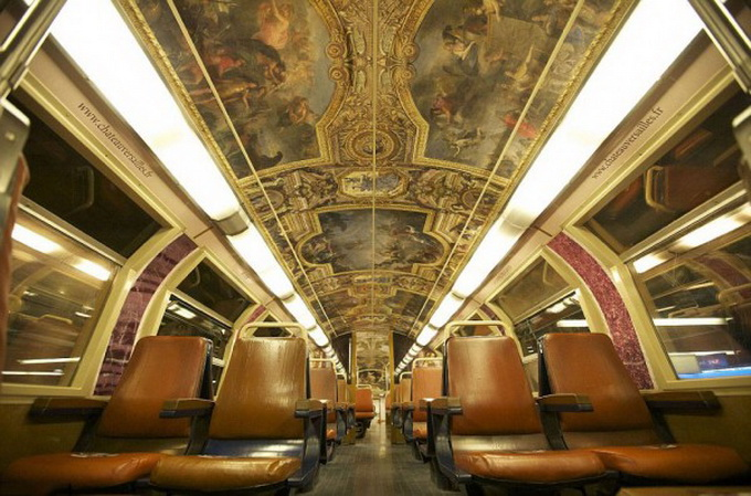 parisian-rer-train-transformed-like-versailles-1-600x438.jpg