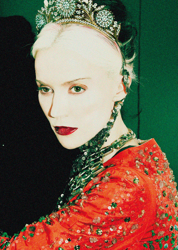 daphne-guinness-beauty-rebel-joseph-lally-04.jpg