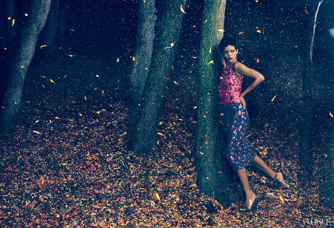 rihanna-vogue-us-november-2012-06.jpg
