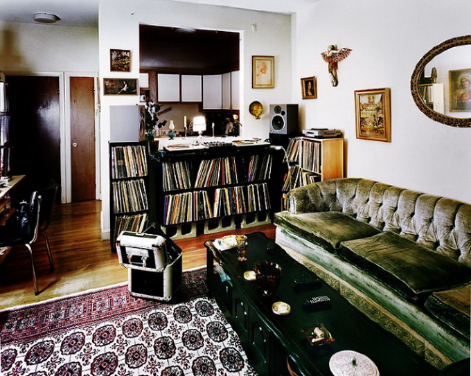 DJ-Bedroom-640x513.jpg