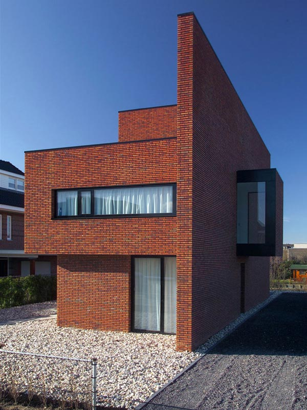 brick-wall-house-01.jpg